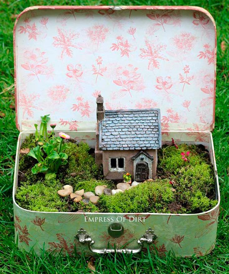 Fairy Garden DIY Ideas - Fairy Garden Suitcase
